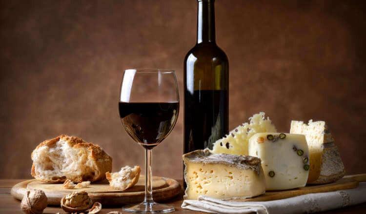 Tasting box Formaggi , vino e marmellata.